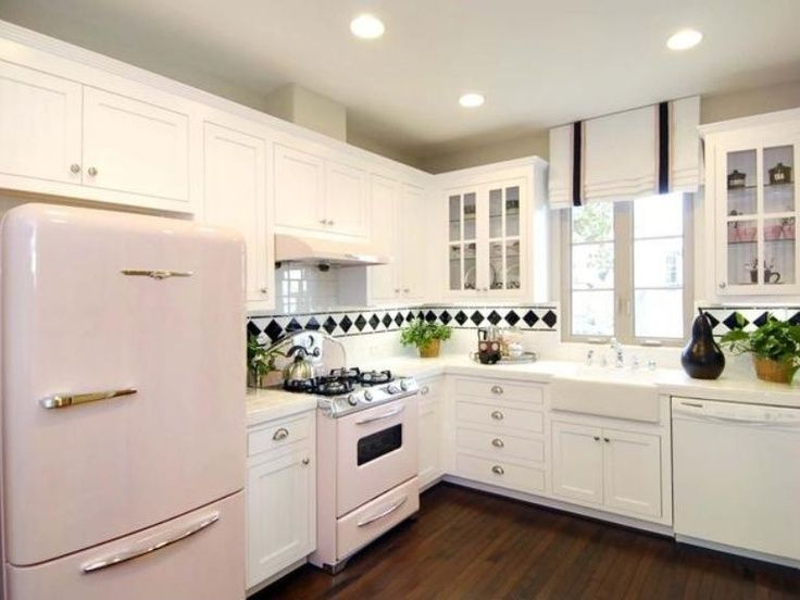 24 best Pink Kitchens images by Eileen Jansson on Pinterest | Pink ...