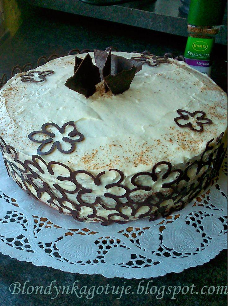 Blondynka Gotuje: Tort Makowy z Kremem z Białej Czekolady