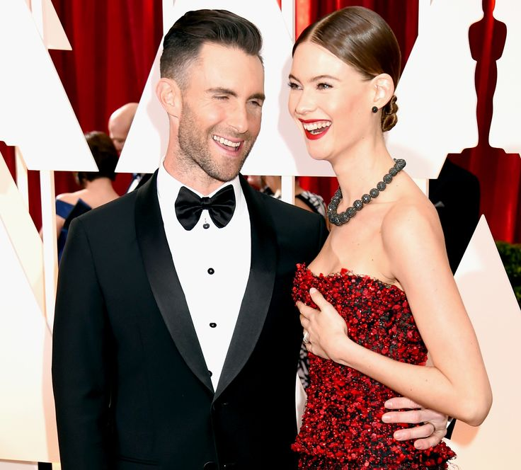 Behati Prinsloo tried to kiss her husband Adam Levine on the Oscars 2015 red carpet and failed -- watch it happen, plus other awkward must-see moments from the red carpet