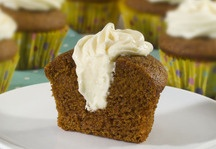 Pumpkin Roll Cupcakes - easier to make than the traditional pumpkin roll!