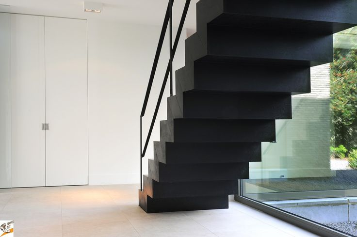 25 beste idee n over moderne trap op pinterest trappen trappenhuis ontwerp en trap ontwerp - Ontwerp betonnen trap ...