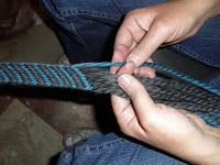 Tangible Daydreams: Tutorial: Finger Weaving, Beginner's Diagonal Weave