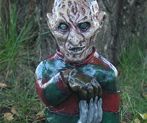 With these horror movie lawn gnomes you can finally hang out with your old pals Freddy, Jason, and Michael without fear of ending up in the city morgue. These meticulously decorated gnomes provide curb appeal and keep those annoying neighbors away.