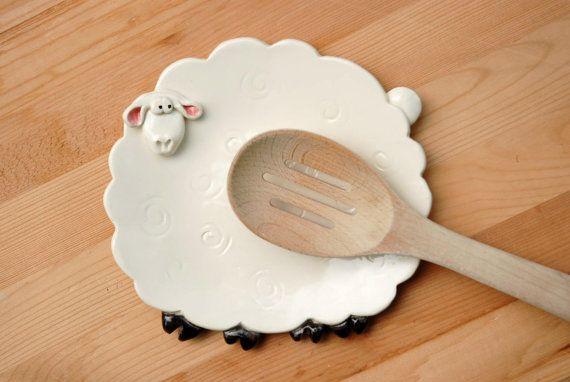 Moutons blancs cuillère reste ou bijou plat par ShopBeckyZee