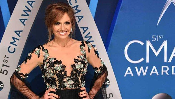 """Magic 8-Ball Says Carly Pearce's """"Every Little Thing"""" is Going to Hit No. 1"""