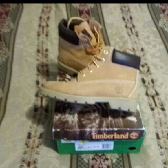 boots Timberland boots ** SALE ** 0100 Timberland Shoes Winter & Rain Boots