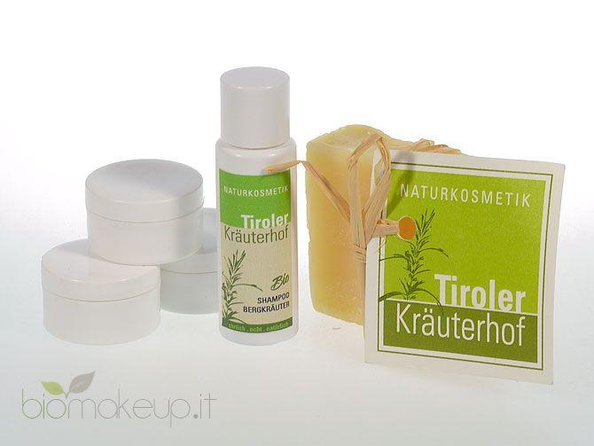 Tiroler Kräuterhof Naturkosmetik realizza i suoi cosmetici a partire da spontanee e rare erbe di montagna, estremamente benefiche per la cute ed i capelli. Immergersi nella conoscenza di questo marchio è entrare in contatto con il mondo della natura, incontaminata e fonte di benessere per l'organismo e lo spirito.