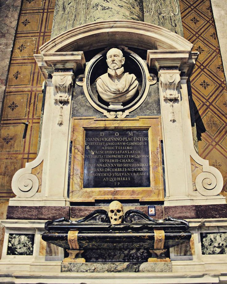#bernini #giovannivigevano #santamariasopraminerva #baroque #roma #rom #rome #svenskguiderom #tourguiderik http://www.tourguiderik.com/