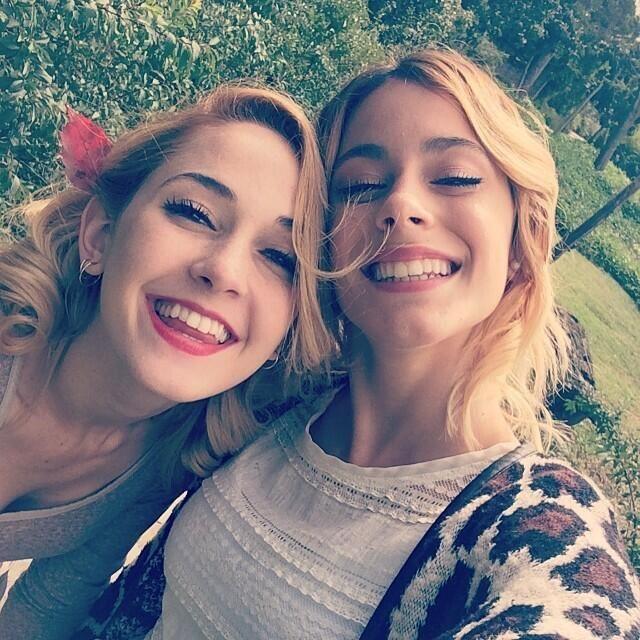 @Mechilambre @TiniStoessel amo vuestra amistad. Es una de las más hermosas del universo