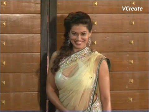 Payal Rohatgi in GOLDEN TRANSPARENT SAREE | Filmfare awards 2013.