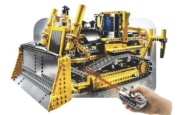 Lego Technic Motorised Bulldozer