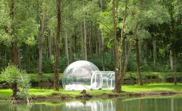 Su Internet è possibile acquistare una bolla gonfiabile da usare come tenda da campeggio. Con vista inclusa