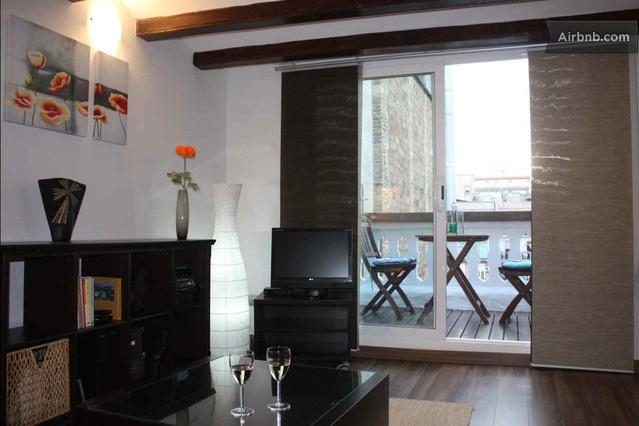 Modern apt in the heart of the city in Barcelona da $90 per notte