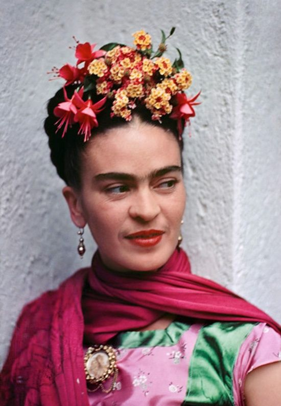 loved how frieda always had such extraordinary flowers in her hair
