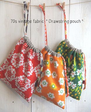 Shooting Wetter | fabrickaz + idees | 70's vintage fabric drawstring pouches