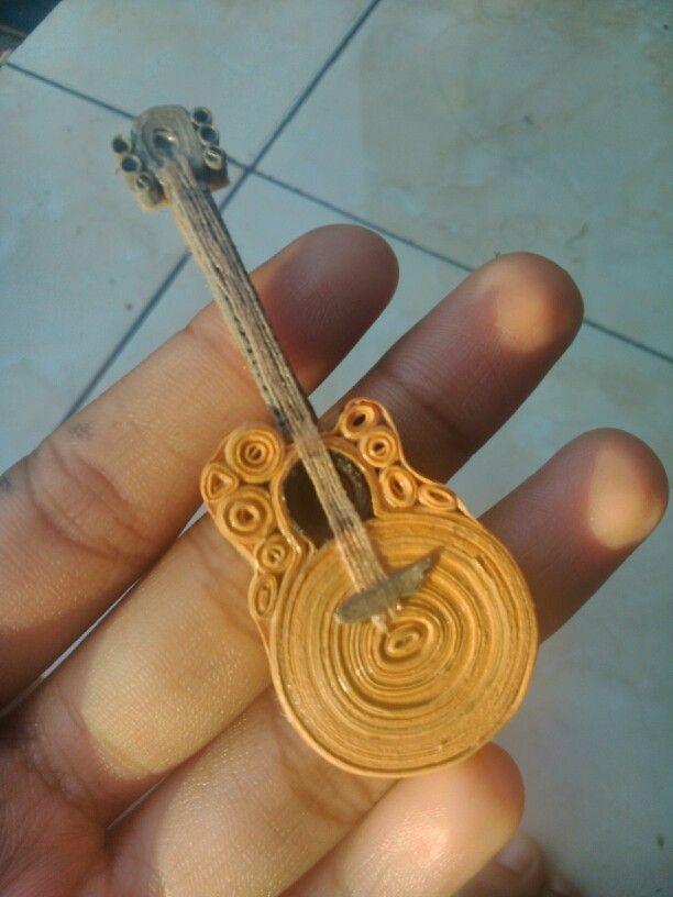 #Música...& #Afins ☆ #Arte Guitarra feita de papel Quiling ☆ * Paper guitar