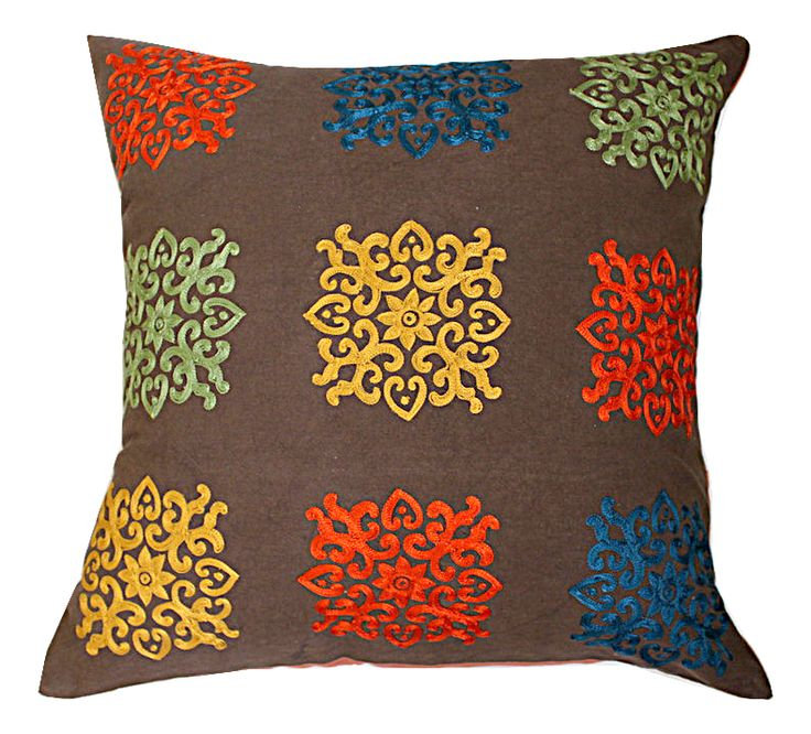 Декоративная подушка 50х50см с вышивкой.