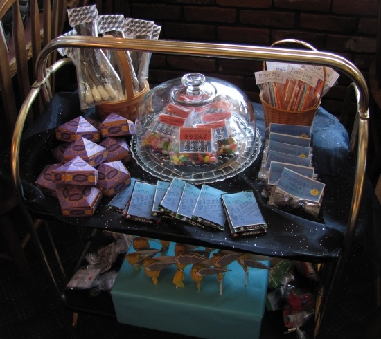 honeydukes cart with chocolate frog box template