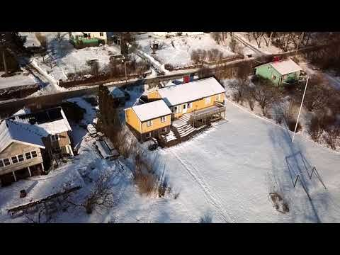 This is where I live, well almost, the drone turns not far from my part of the forest. It was filmed by Joachim Zehlin, as a gift for Barbro and Bernt (what a great gift) who I assume lives in that cute yellow house. I don't know these, I'm sure lovely,  people but the video…