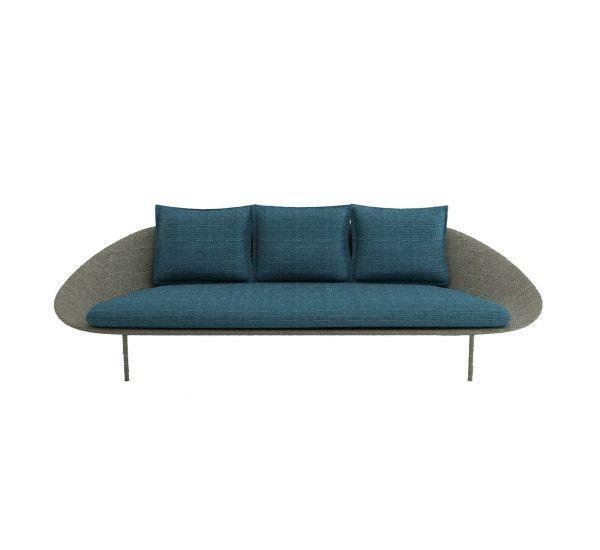 Lem è una collezione che conta poltrone, divani e divani