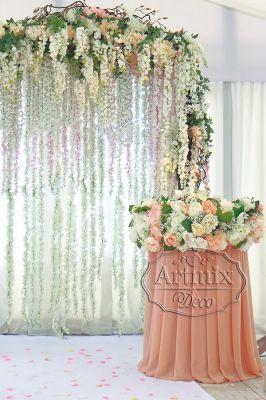 Свадебная арка с цветами Глициния