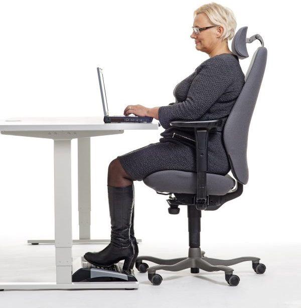 Hyvä tuoli ja oikea istuma-asento ehkäisevät selkäkipua