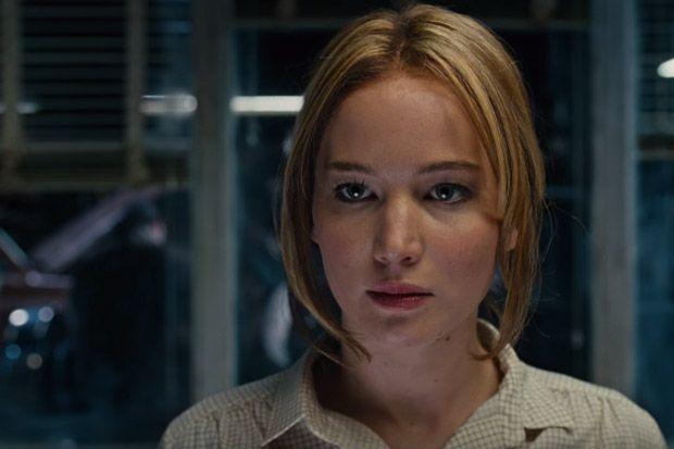 WATCH: Jennifer Lawrence Calls the Shots in New 'Joy' Trailer