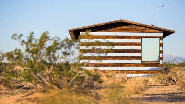 A arquitetura proposta por Phillip K Smith III traz a possibilidade de acompanhar de perto a mudança do tempo .