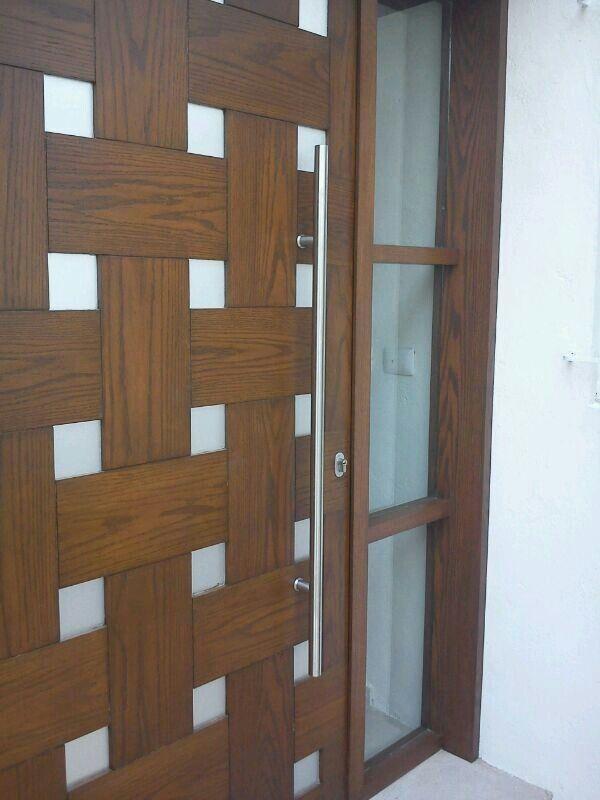 33 best puerta de acceso images on pinterest entrance for Puerta acristalada exterior