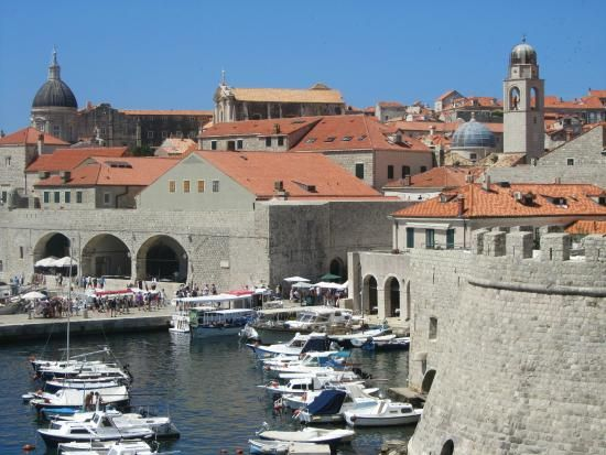Dubrovnik Tourism: TripAdvisor has 131,709 reviews of Dubrovnik Hotels, Attractions, and Restaurants making it your best Dubrovnik resource.