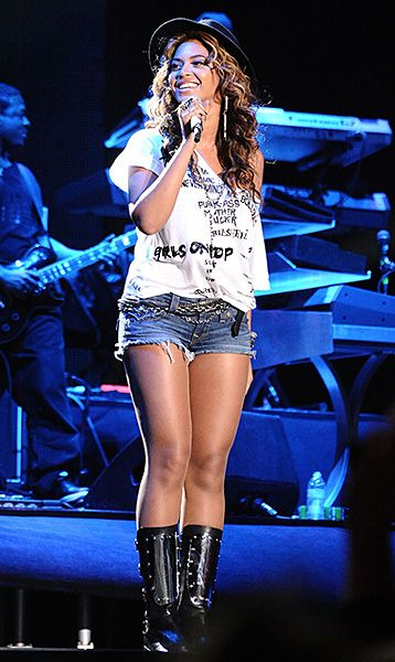 47 Best Stage Outfit Ideas Images On Pinterest Ariana Grande Pics Beautiful People And Lol Pics