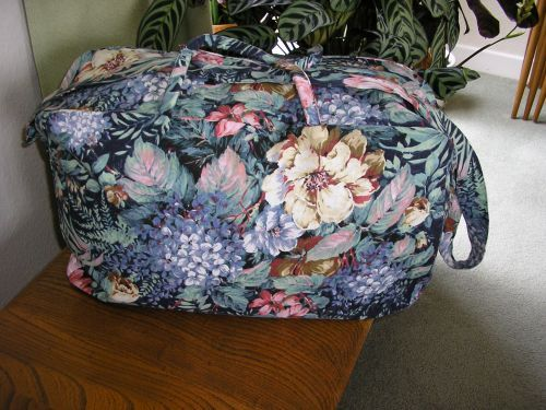 Weekend Bag Navy with Tropical Flowers Llarge.