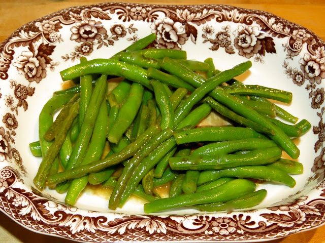 Everyday Cooking Adventures: Julia Child's Haricots Verts a la Maitre d'Hotel (Buttered Green Beans with Lemon Juice & Parsley)