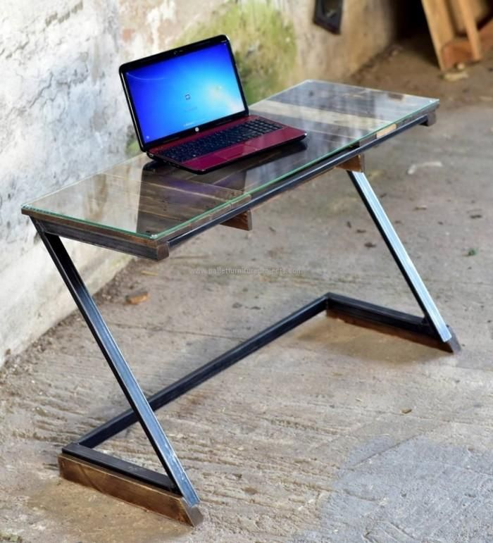 Pallet Made Computer Table
