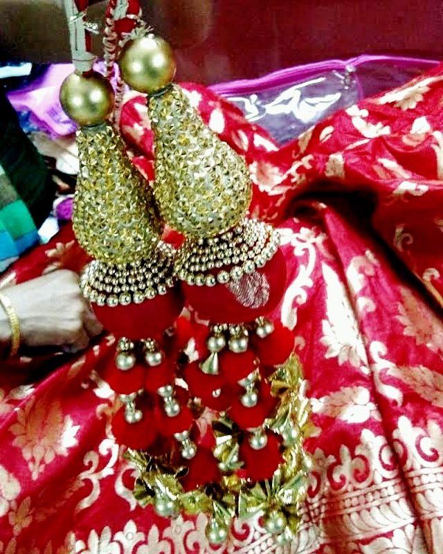 Intricate details! Handmade tassels!  . . .  #prettylook  #designer #couture  #clothing #luxury #apparel  #happiness #embroidery  #intricate #fashion #bridal #wedding #lehenga #skirt  #red #benarasi #silk #glamour  #fashionista #ootd  #ethnic  #handmade #bespoke  #apparel #colors #tassels #shaadi
