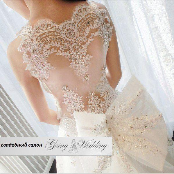Свадебное платье из кружева, страз, паеток, красивая полупрозрачная спинка, модно, стильно, дорого. Бант как у принцессы.