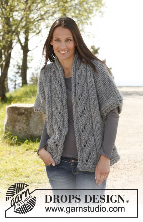 """Free pattern: Knitted DROPS wide jacket with lace pattern and shawl collar in """"Polaris"""". Size: S - XXXL."""