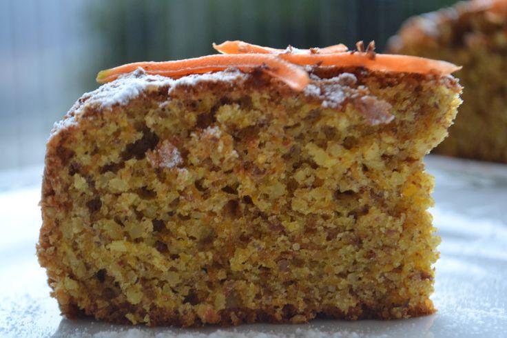 """#ilgiardinobotanico #colazione Torta di Mandorle e Carote..Questa torta è veramente speciale ottima a colazione ed anche a merenda con quel gusto un po' """"rustico"""" della frutta secca, della farina integrale, e dello zucchero di canna, danno proprio la sensazione di mangiare qualcosa di sano!!! Una torta morbida, profumata e golosa, ottima a colazione, ricca di vitamine e povera di grassi. Provatela, ne vale la pena! www.ilgiardinobotanico.com"""