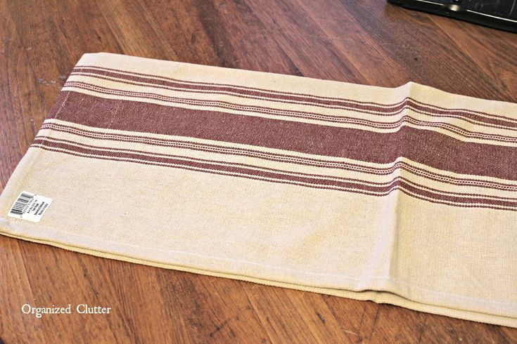 Easy Grain Sack Dish Towel Farmhouse Valance via OrganizedClutter.net