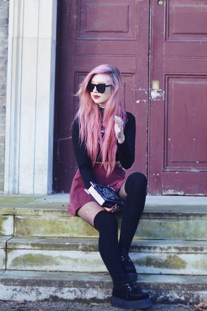 Amy Valentine: Designer Oversize Round Circle Pointed Cat Eye Sunglasses 9180
