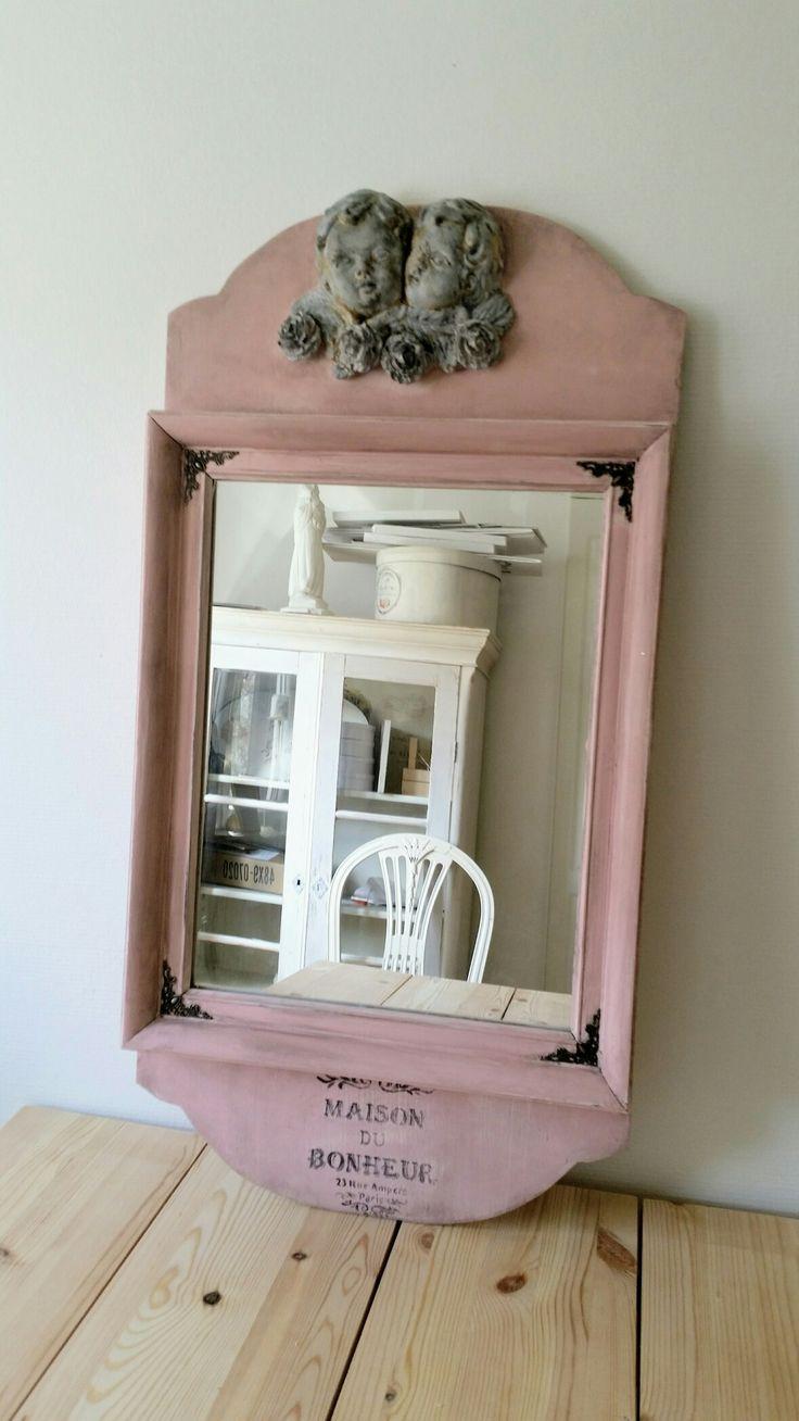 Rosa spegel med änglar och rosor