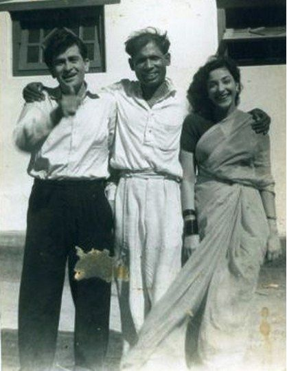 "raj-aur-nargis: ""Raj Kapoor and Nargis with photographer Ram Aurangabadkar. """