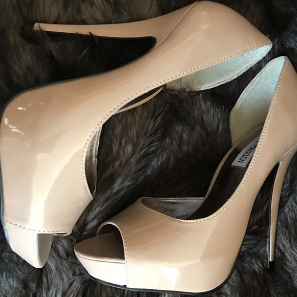 Steve Madden Peep Toe Pumps - Like New, Worn Once - Every girl needs a go-to pair of nude heels :) Steve Madden Shoes Heels