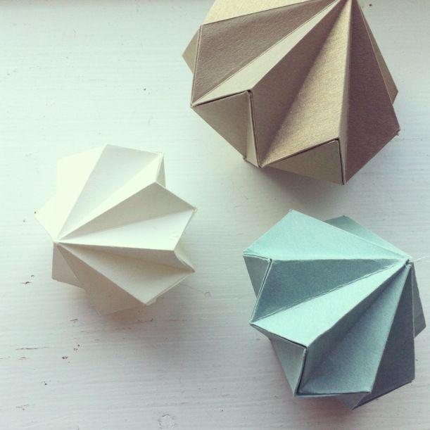 Fold a paper diamond