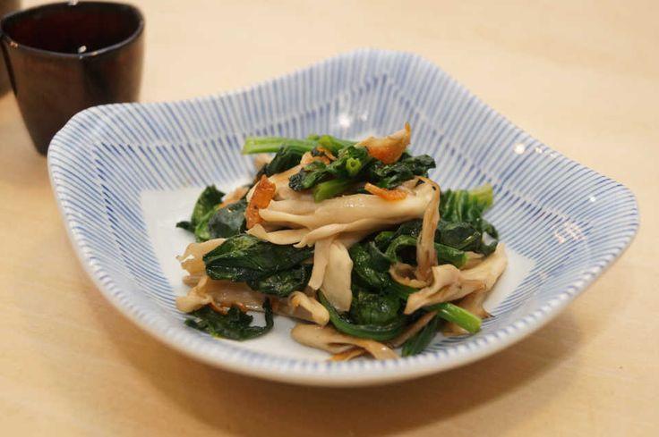 中華料理でおいしい副菜といえば、青菜炒め。青物を炒めただけなのに、なぜか食欲をそそるおいしさがたまりませんよね。今回は、そんな青菜炒めを手頃なほうれん草で再現してみました。干しエビを入れることでぐっとお店の味に近づきます!