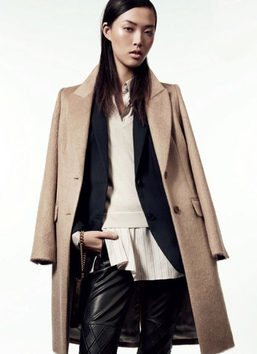 LE FASHION BLOG STYLE TRENDS STREET STYLE EDITORIAL VOGUE CHINA  BRONZER BEAUTY SLEEK HAIR FRIZZ ENDS LAYERED COLLAR SHIRT NAVY JACKET THE ROW WOOL CAMEL COAT SWEATER LEATHER QUILTED PANTS WRIST CHAIN CLUTCH BAG MASCULINE IMPRESSION AMY TROOST MODELS Chiharu Okunugi Ji Hye Park Tian Yi Sung Hee Kim ALASTAIR MCKIMM 3