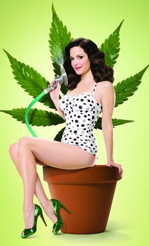 Love Weeds but it is ended http://www.imdb.com/title/tt0439100/ #Mary-Louise Parker #Hunter Parrish #Alexander Gould