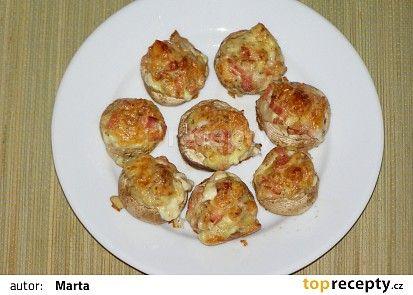 Zapečené žampióny recept (niva,měkký sýr nebo tvrdý,vejce,šunky,hořčice,bazalka,tymián)
