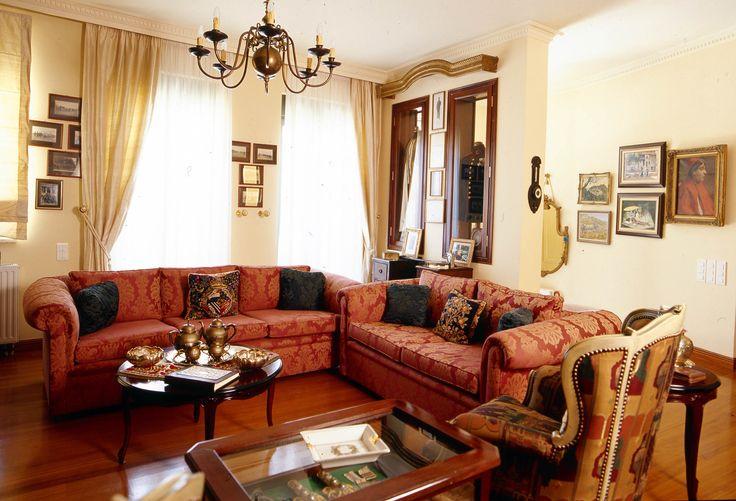 Nikolas Dorizas Architect, Tel: +30.210.4514048 Address: 36 Akti Themistokleous – Marina Zeas, Piraeus 18537 Μονοκατοικία στην Καστέλα σε 4 επίπεδα με αίθριο και δώμα.