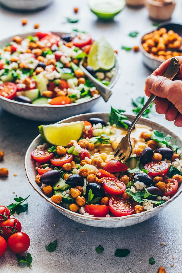 This Vegan Mediterranean Chickpea Salad with Tahini Dressing is a healthy make-a…   – Yummy!!!